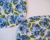 Blue Pansy Oval Placemats Reversible 4 or 6  Blue Placemats Pansy Placemats Spring Blue Placemats Blue Floral Placemats Blue Kitchen Decor
