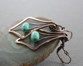 Swinging Art Deco chandelier copper earrings with barrel shape turquoise stones - Dangle earrings - Turquoise earrings