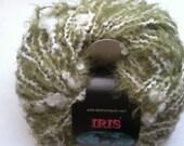 Dark Horse Yarns Iris - Sage Green & White Eyelash Yarn with Thin Thick Squiggle 50 gr 86 yds Wool, Nylon, Acrylic Blend 2 strands in 1