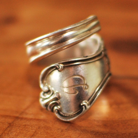 coil silver spoon ring letter d monogram company plate