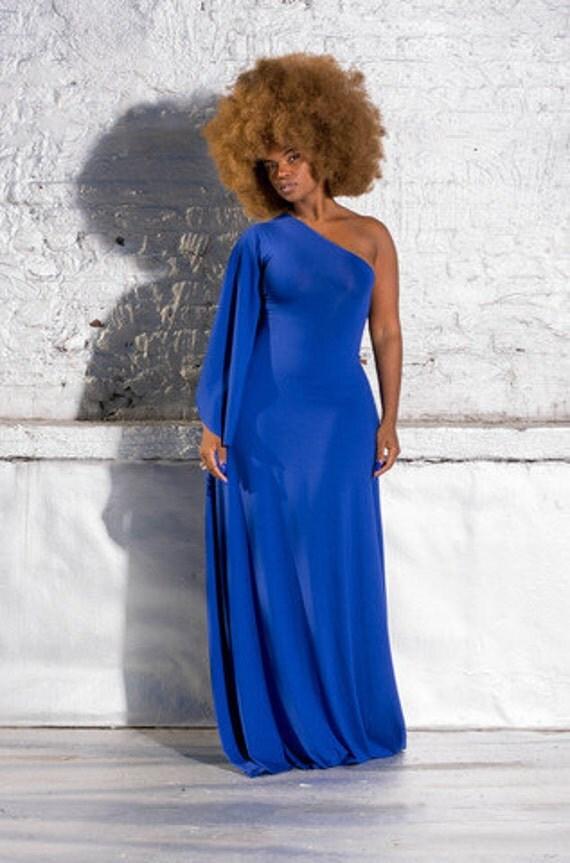 one shoulder drop-sleeved dress