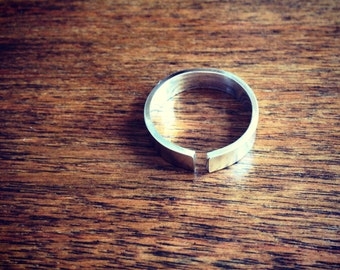 Open Band Ring - Thin Rectangle