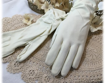 Vintage Ladies Ivory Elegant Ruched Gloves,  Hanson 1940s, Size 6 1/2 Gauntlet, Mid Forearm