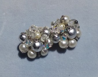 Vintage 50s 60s White Silver Crystal Beaded Round Clip On Earrings Jewelry Retro Accessories
