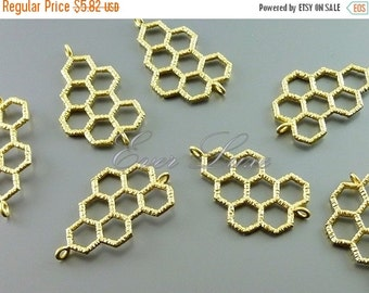 15% SALE Top seller! 2 honeycomb connector pendants, geometric honeycomb charms, jewelry pendants in matte gold 1053-MG