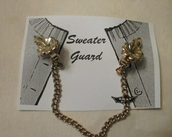 Sweater Clip  Gold Tone Single Chain Flowered Clips