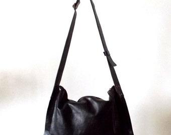 ON SALE Black cross-body leather Bag