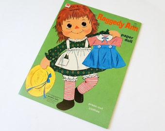 Vintage 1970s Toy / Whitman Raggedy Ann Paper Doll 1970 VGC Clothes and Stand Unpunched / Collectible Toy