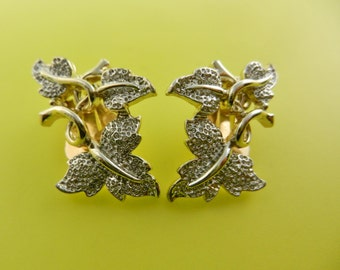 Vintage Sarah Coventry Silver Textured Ivy Leaf Goldtone earrings - silver frosting on glossy gold--art.41/4 -