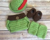 Peter Pan Hat Crochet Pattern, Instant Download, Robin Hood Hat Pattern, Peter Pan Booties Pattern, Peter Pan Costume 0-6 months Pattern