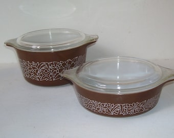 2 Pyrex Woodland Brown and White Bowls with Clear Lids, Pyrex Casserole Bowls, Vintage Pyrex, Pyrex Cinderella Handles,, Country Decor,