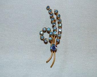 Vintage / Brooch / Blue  / Aurora Borealis / Rhinestone / Gold Tone / Sparkle /Old Jewelry Jewellery