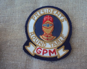 Vintage Hand Embroidered Gold Bullion Emblem Metallic Thread Patch Insignia Crest Presidents Round Table GPM Knight