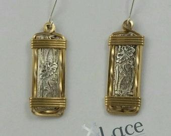Embossed Pattern Wire Earrings