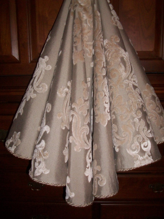 Sale amazing taupe on stunning damask
