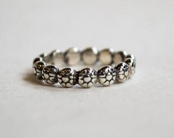 Stars ring, Stackable ring, wedding band, thin silver band, stacking ring, small stars, simple band, dainty ring, midi ring - Oasis R2287