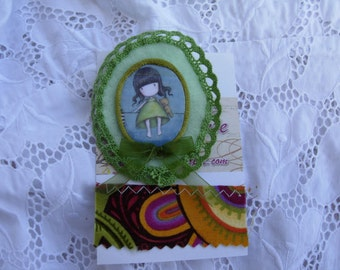 LINA , felt brooch done with love....