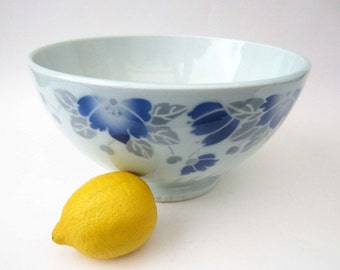 French vintage salad fruits BOWL⎮ceramic Art deco style⎮blue grey flowers foliage⎮Moulin des Loups Orchies France⎮country shabby chic