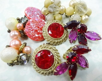 Vintage Earrings Estate Costume Jewelry Lot (5) Pairs Clip Screw Back Style Retro Fashion Mix NICE