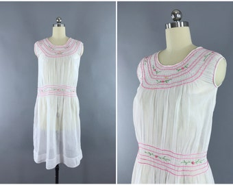 Vintage 1920s Dress / 20s Embroidered Peasant Dress / Bohemian Hungarian 1920 Sundress / Size Small S XS