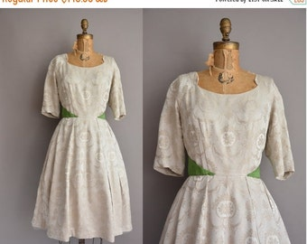25% off SHOP SALE... 50s soft beige floral wreath vintage dress / vintage 1950s dress