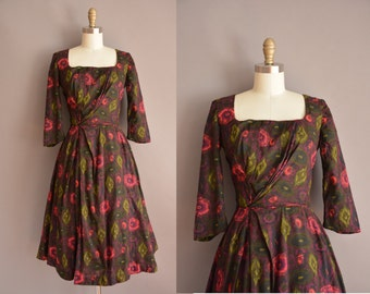50s gorgeous floral full skirt vintage dress / vintage 1950s dress