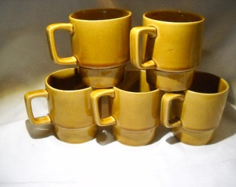 Harvest Gold Stacking mugs stacked coffee cups