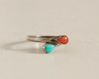 vintage 1970s girl's ring