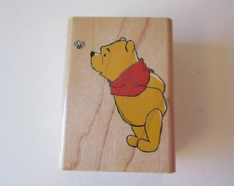 rubber stamp - Watch out for Bees - Winnie the Pooh, Rubber Stampede A1185D