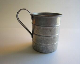 vintage measuring cup - 4 CUP size - aluminum - Wearever