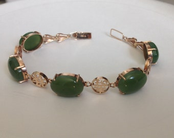 1960s Vintage 18kt Gold and Green Jade Cabochon Link Bracelet with Chinese Caligraphy / Free Shipping