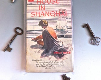 Vintage Pulp Fiction 50s Racey Brothel Novel House in Shanghi - on sale