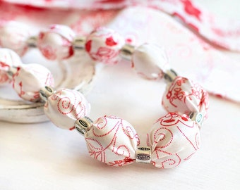 Fabric-covered beaded necklace in white and red. Floral necklace.
