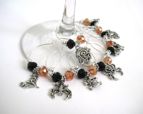 Halloween Wine Charms - Halloween Party Favors - Halloween Wedding Favors - Cute Halloween Decor - Halloween Wine Glass Charm