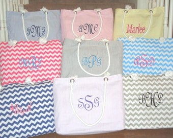 9 Bridesmaid Gift Tote Bags **SALE** in Seersucker or Chevron Personalized, Mother of the Bride, Mother of the Groom, Wedding Party Favor