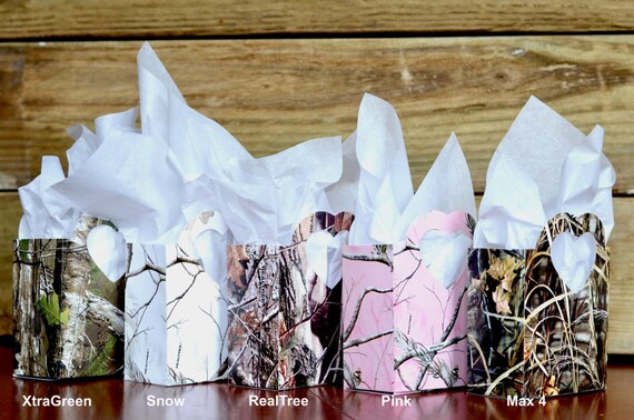 XtraGreen™, Snow™, RealTree™, RealTree Pink™, and Max 4™ Camo Heart Handled Gift Bags