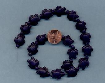 Strand of Twenty 18x14mm Turtle beads, Magnesite, Navy