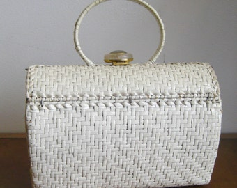 Vintage Afternoon Picnic White Woven Round Wicker Basket Purse Hand Bag