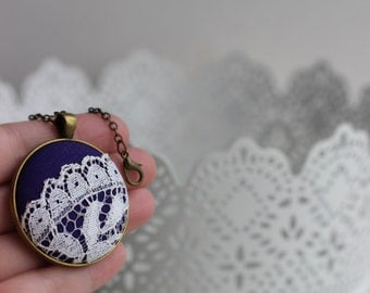 Dark Purple Necklace, Purple Lace Jewelry, Victorian Wedding, Vintage Ivory Lace Necklace, Purple Wedding Jewelry Purple Bridesmaid Necklace