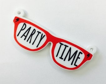 B175 Printed Party Time Glasses Pendant **STOCK CLEARANCE**