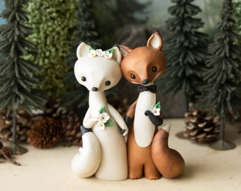 Red Fox and Arctic Fox Wedding Cake Topper by Bonjour Poupette