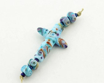 Sheribeads Glass Beads Cross Focal with 4 Matching Spacers Lampwork