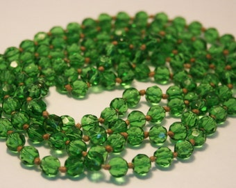 Vintage necklace. Green glass bead necklace. long necklace.  Flapper necklace