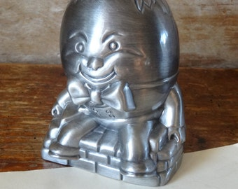 Vintage Humpty Dumpty Metal Bank