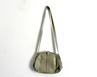 Green Almond Leather Handbag  Vintage 1950s/1960s