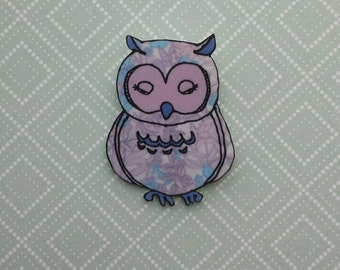 Sleepy owl illustrated brooch