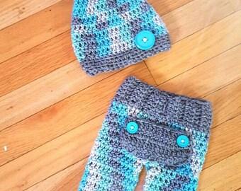 Newborn crochet butt flap pants and elf hat || Newborn boy crochet pants and hat photo prop