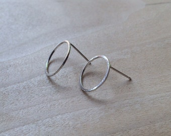 Simple Circle Post Earrings, geometic shapes, sterling silver lovely