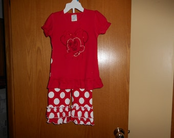 2 pc. Ruffled Capri Pants and Minnie Shirt Outfit