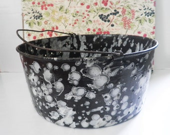 Vintage Graniteware Enamel Colander or Berry Pail Brown White Wire Bail Agate Primitive